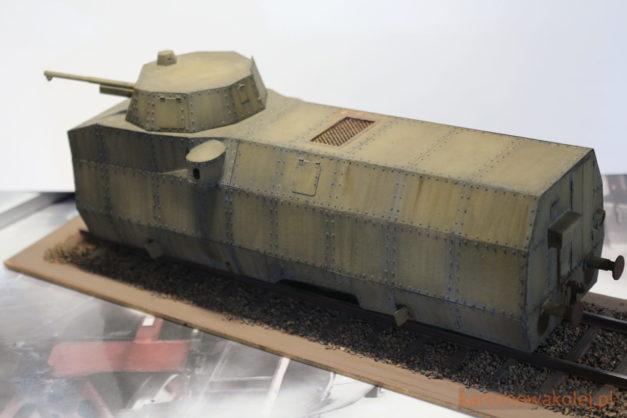 Pancerny wagon motorowy WZ. 28 - model kartonowy w skali 0